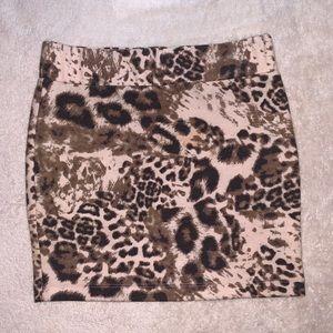 Leopard print mini skirt 🖤